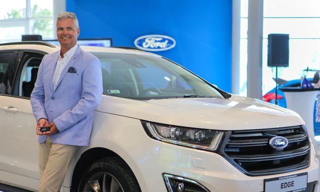 Szélbe állt a Ford
