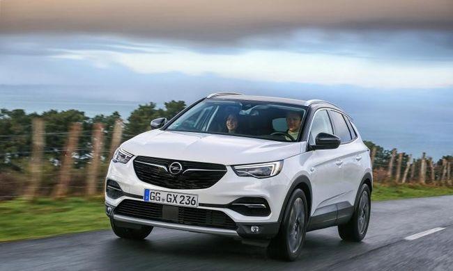 Új motorokkal támad az Opel szabadidő-autója