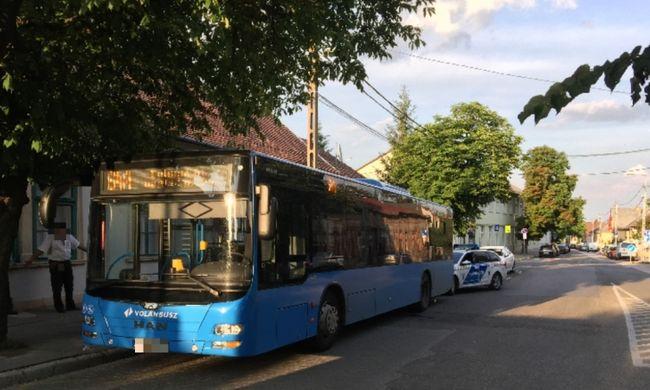 Durva jelenet Solymáron: a busz utasai végignézték, ahogy egy férfi a sofőrre támad