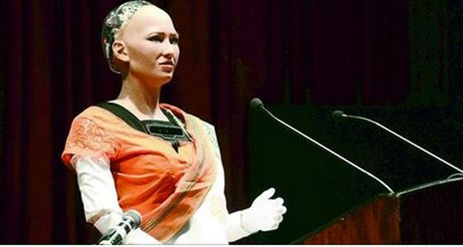 Budapesten járt a gondolkodó robotnő, kiderült, hogy még emlékei is vannak