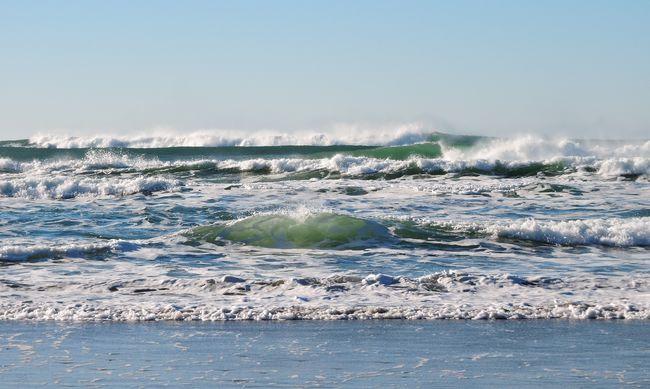 Három éve keletkezett egy sziget az óceánban, a tudósok számára is rejtély, mi borítja
