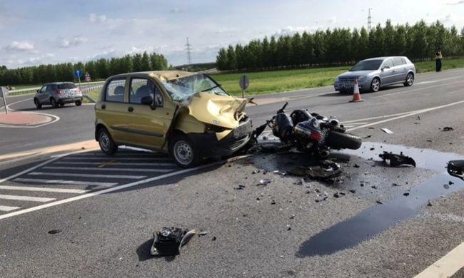 Brutális motorbaleset Győr-Moson-Sopron megyében - helyszíni fotó