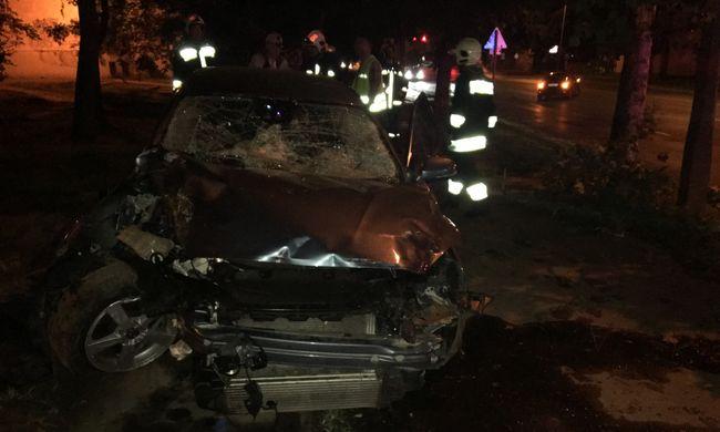 Megrázó fotók érkeztek az éjjeli halálos balesetről, két embert gázoltak el