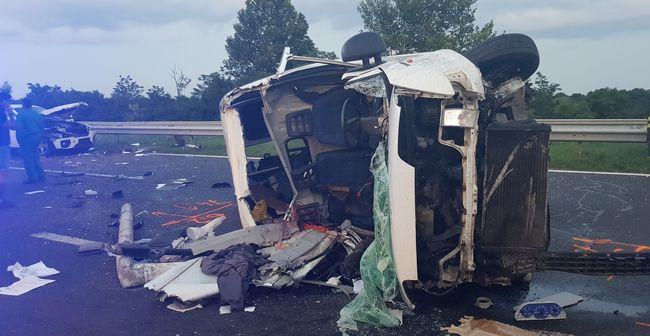 Megrázó fotók érkeztek az M7-es autópályán történt tragédiáról