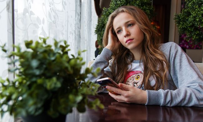 Megvan a Momo első magyar áldozata: az internetes horrorlény miatt lehetett öngyilkos egy 15 éves lány