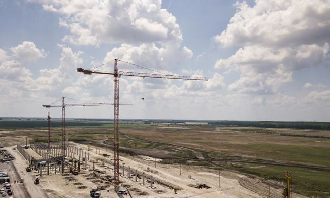 A Mercedes egymilliárd euróért épít full-flex gyárat Kecskeméten