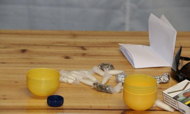 Botrány Zamárdiban: a rendőrök is meglepődtek azon, mit rejtett a kinder-tojás