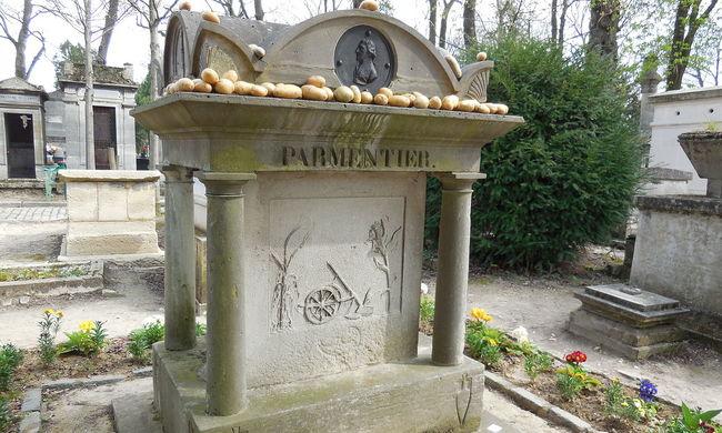 Furcsa látvány a világhírű temetőben, kevesen ismerik a titkot