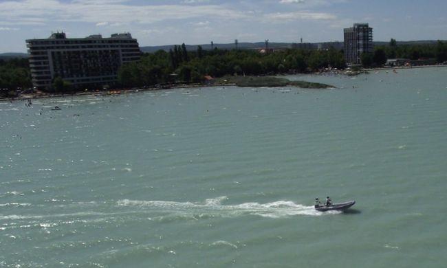 Vészhelyzet a Balatonon, két gyereket kellett kimenteni
