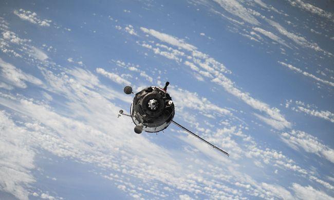 Lenyűgöző látvány: csaknem kétmillió liter vizet locsol el az űrközpont percenként