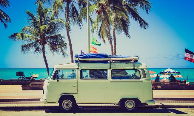 Autót akar bérelni nyaralásra? Mutatjuk, hogyan kerülje el a felesleges költségeket