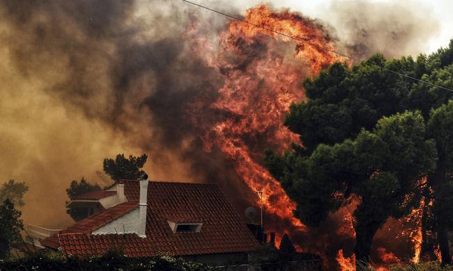 Egymást átölelve halt meg a család, megállíthatatlanul szedi áldozatait a görögországi tűz