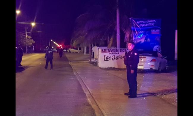 Rendőrökre támadtak az egyik turistaparadicsomban