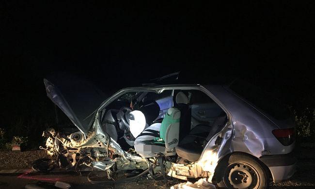 Tragédia történt éjjel a 81-es főúton, három ember azonnal meghalt