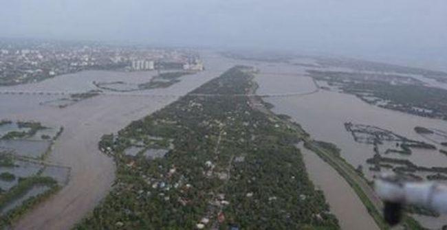 Pusztított az áradás, több tucatnyian haltak meg a monszun miatt