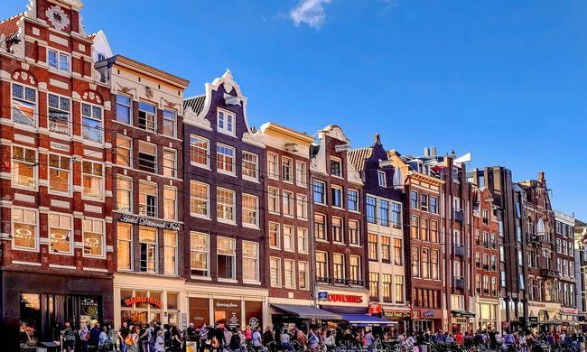 Rengeteg turista vizel az utcákon: több mint tízezren fizettek a kihágásért Hollandiában