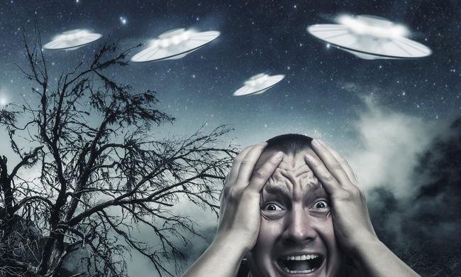 Titokzatos négyszögletű UFO-t fényképeztek egy tornádófelhőben