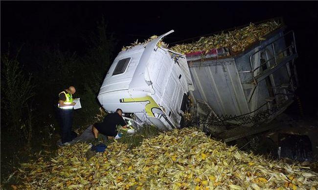 Megrázó fotó: rettenetes balesetben halt meg egy sofőr a főúton