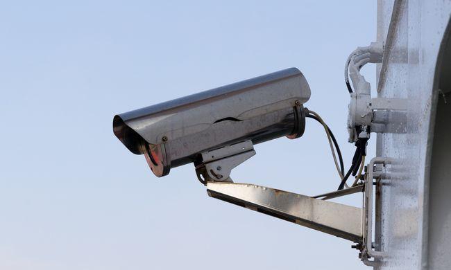 Furcsa lopási ügy: egyetlen éjszaka tüntették el a település térfigyelőit
