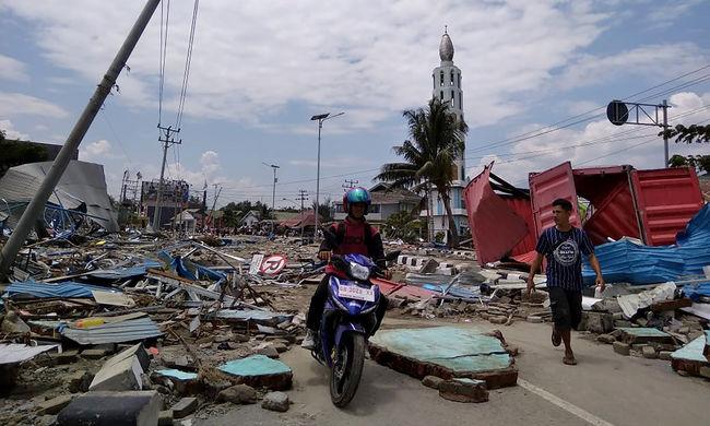 Káosz az indonéz szigeten: százak haltak meg, sérültek meg vagy tűntek el a katasztrófában