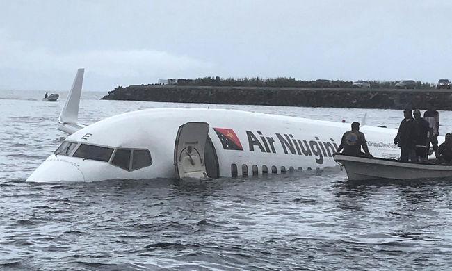 Mégsem sikerült mindenkit kimenteni a tengerbe hajtó gépről, ez történt egy férfival