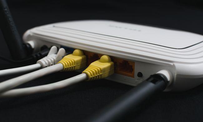 Több ezer magyar eszköze lehet veszélyben: ezek a routerek érintettek
