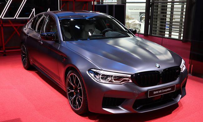 Élőben bealáz: BMW 3-as premier Párizsban