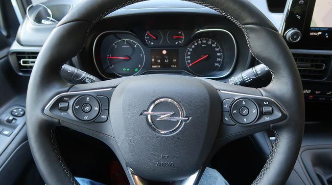 Opel Combo Life: Egy hasznos és barátságos személyautó
