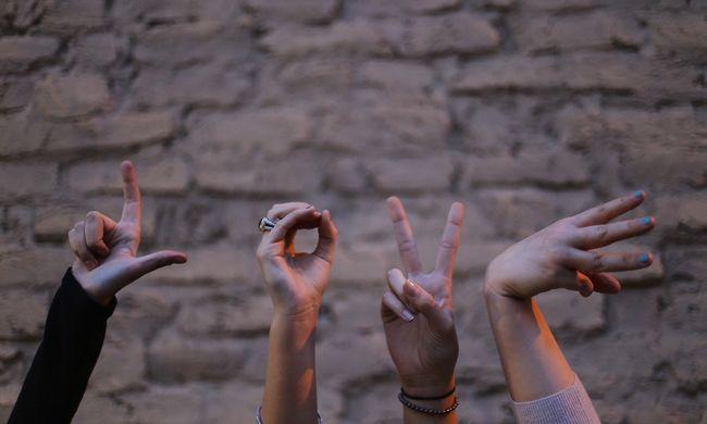 Furcsa felfedezés: az ujjhosszunk összefügg a szexuális irányultságunkkal