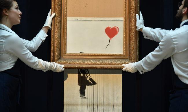 Botrány a plázába tervezett kiállításon: Banksy képeit lefoglalták a hatóságok