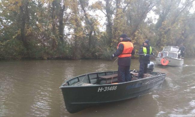 Drámai pillanatok a Tisza-tavon, viharban került bajba egy férfi