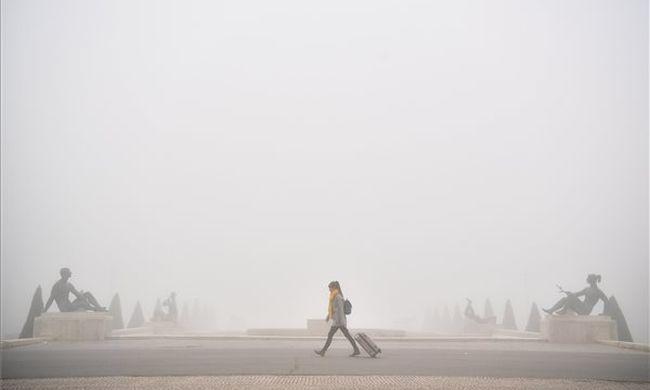 Sűrű köd és eső, kiadta a riasztást a meteorológia