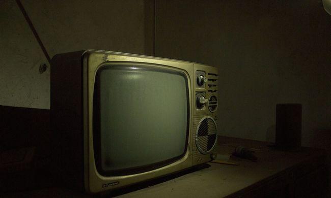 Gondolta volna? Rengetegen használnak még ma is fekete-fehér tévét