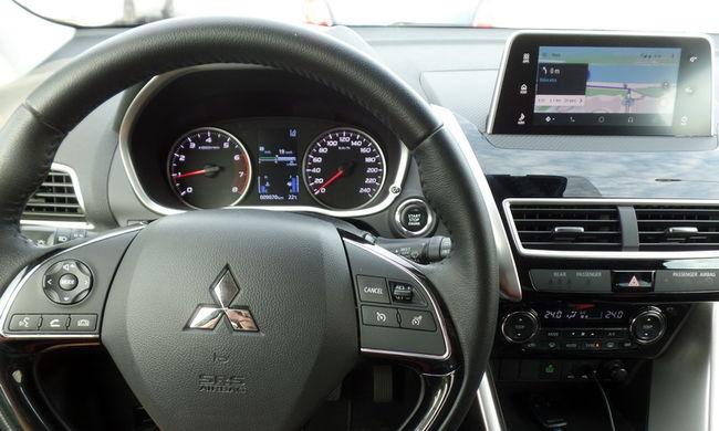 Mitsubishi Eclipse Cross 1.5T Elegance teszt - Dizájnparádé