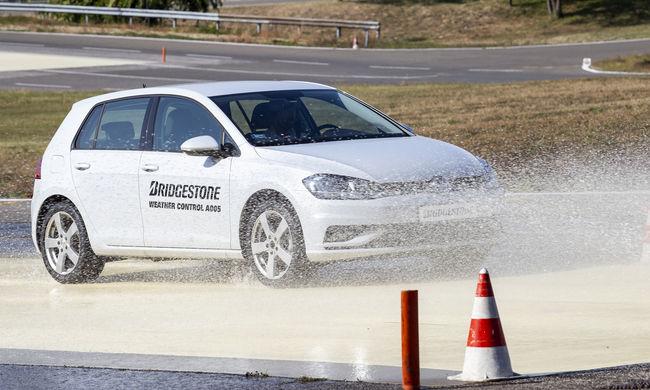 Búcsú a szezonális abroncscserétől - Bridgestone Weather Control A005 bemutató