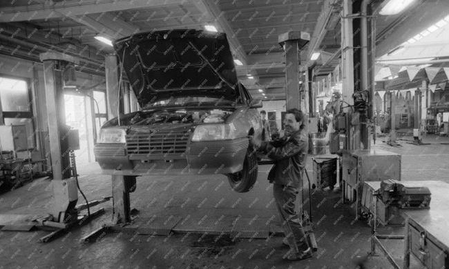 Meseautótól a Merkurig 20. rész: Az Opel története Magyarországon II. rész