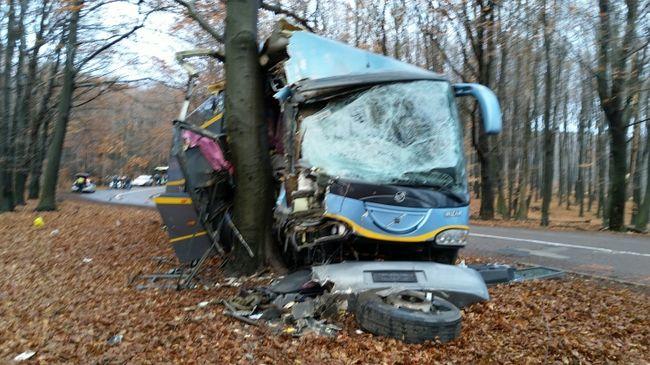 Súlyos buszbaleset a Mátrában, sok a sérült