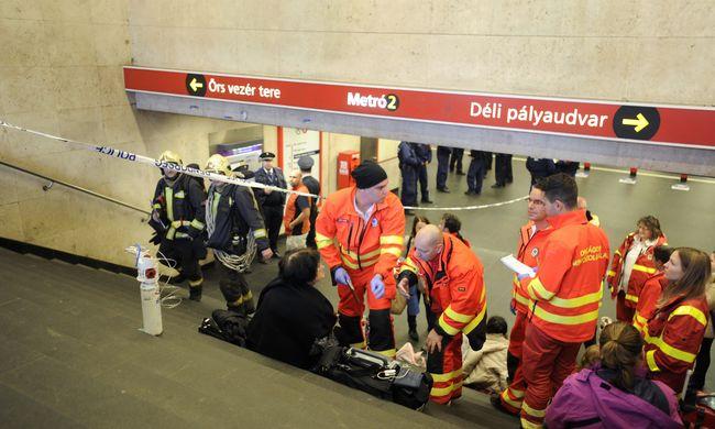 Fejlemények, ezt történt miután egy férfit gázspray-t fújt a 2-es metrón