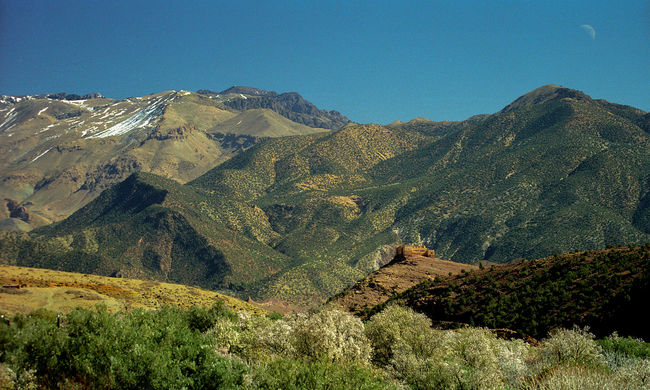 Nem lehet túrázni a hegyen, ahol elvágták két nő torkát