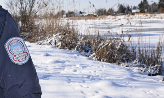 Idős asszony kóválygott a Tisza árterében, a magyar rendőröknek köszönheti az életét