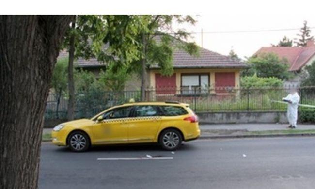 Fogott egy taxit Budapesten a férfi, tizenkétszer szúrta meg a sofőrt a pénzéért