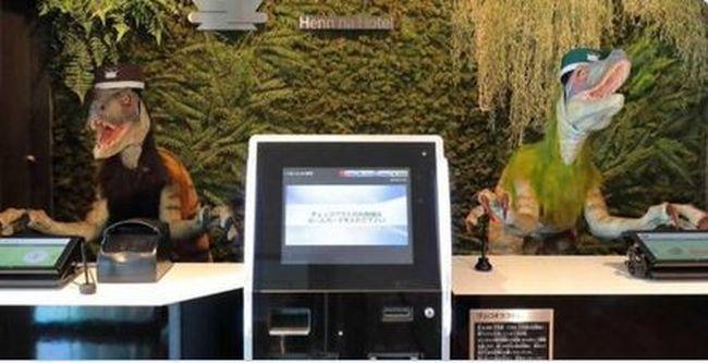 Csak több munkát teremtettek, kirúgta a robotok felét egy japán hotel