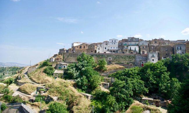 Kihagyhatatlan lehetőség: ingyen töltheti a nyarat ebben a varázslatos faluban