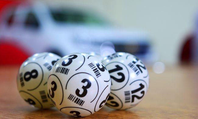 Mindenki megdöbbent, amikor meglátta a lottónyertest - fotó a szerencsés férfiról