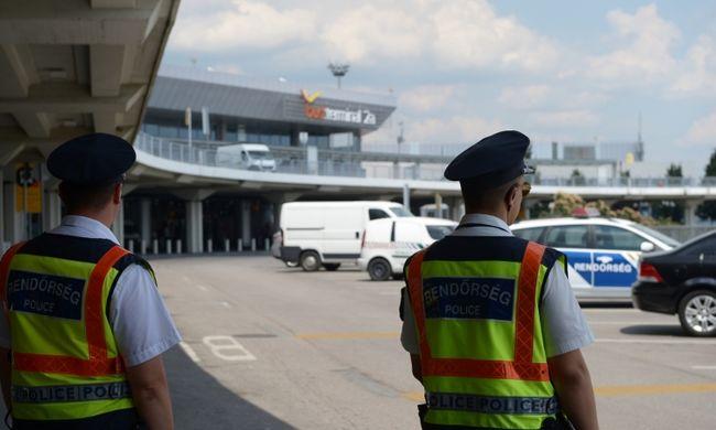 Rendőrök lepték el budapesti reptér terminálját, akció a 2-es terminálban