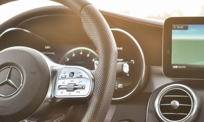 C43, vagyis 4,3 másodperc - Mercedes-AMG C 43 4MATIC Coupé teszt