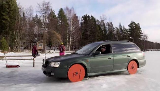 Hihetetlen, mit műveltek ezzel a kocsival - videóra vették