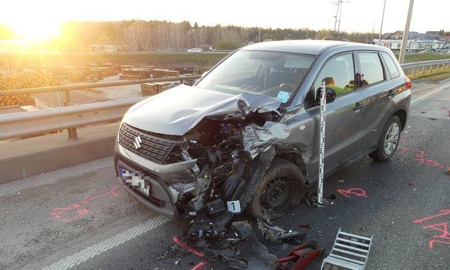 Továbbhajtott a szanaszét tört autóval a magyar férfi, de valami nagyon fontosat a baleset helyszínén felejtett
