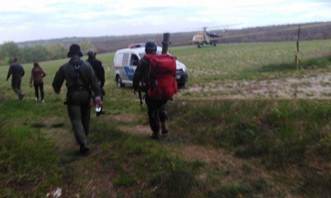 Rémület Bakonyszentlászlón: többször megszúrta magát, majd az erdőbe rohant a zavart férfi