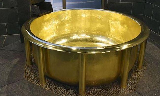 Elképesztő rekord, gigantikus aranykád várja a vendégeket egy termálfürdőben
